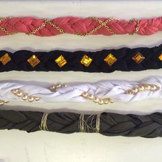 Halsbänder geflochten aus alten T-Shirts.
