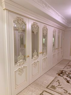 """Model """"Versailles"""". Finish: white enamel and gold potal. Baroque style oak door by Stavros. Interior doors designed in this direction are ideal for connoisseurs of luxurious palace interiors. Today """"Stavros"""" is a serious, technically equipped production with a large fleet of modern equipment! Detailed detailing of decorative elements, clarity of plasticity and filling of products with life is achieved by our craftsmen manually, just like many years ago. Door Design Interior, Interior Doors, Oak Doors, Wooden Doors, Palace Interior, French Chateau, Baroque Fashion, French Decor, White Enamel"""