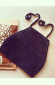40 Quick and Easy Interlocking Beautiful Crochet Summer Tops Free Patterns 2019 - womenselegance. Crochet Bikini Pattern, Crochet Bikini Top, Crochet Top, Beginner Crochet Tutorial, Crochet For Beginners, Knitting Patterns, Crochet Patterns, Knitting Designs, Crochet Summer Tops