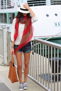 The Closet Confessional: Outfit Post: Red, White, and Blues