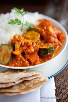 Easy Zucchini and Cauliflower Curry Recipe. Only 8 ingredients! | Veggie Belly | Vegetarian Recipe