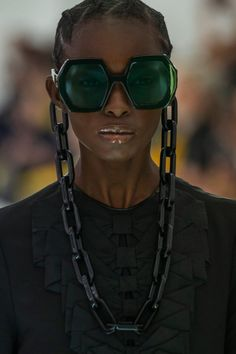 Gucci Spring 2020 Ready-to-Wear Collection - Vogue Gucci Fall 2014, Gucci Spring 2017, Spring 2016, Spring Summer, Gucci Sunglasses, Oakley Sunglasses, Sunglasses Women, Sunnies, Sunglasses Accessories