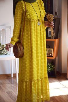 Modest Fashion Hijab, Abaya Fashion, Modest Outfits, Summer Outfits, Stylish Dress Designs, Designs For Dresses, Stylish Dresses, Muslim Women Fashion, Islamic Fashion