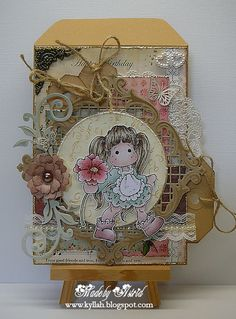 Joycrafts frame   Dit loonzakje heb ik gepimpt met de volgende materialen :