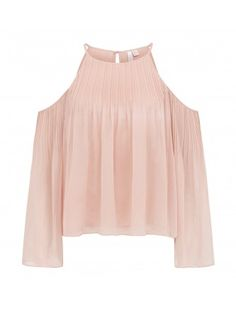Discover a new wardrobe favourite and channel chic sophistication with our Cara Pleated Cold Shoulder Blouse, sure to see you transition effortlessly from day to night. Cold Shoulder Bluse, Forever New, New Wardrobe, Shirt Blouses, Off The Shoulder, Autumn Fashion, Womens Fashion, Fashion Trends, Bell Sleeve Top