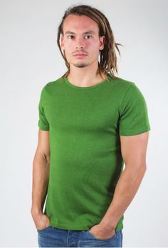 Basic leaf green T-shirt for men. Made of hemp and organic cotton by Up Rise Conscious Hemp Wear. Hemp Fabric, Sustainable Fashion, Organic Cotton, Autumn, Winter, Green, Casual, Clothing, Mens Tops