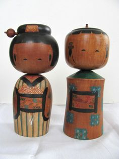 Fine Pair of 1940s Vintage Japanese Wooden Kokeshi Dolls