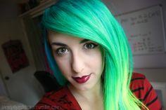 =#green #blue #asymmetrical #greenandblue #medium #green hair #teal hair #turquoise hair #blue hair #neon hair #dolls with dye #dyed dolls #dyed hair #colorful hair #bright hair #hair dye #manic panic