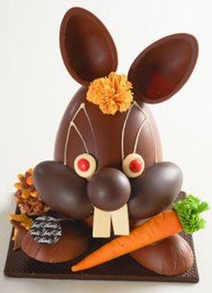 Le lapin à la carotte d'Yves Thuriès Easter Chocolate, Chocolate Treats, Homemade Chocolate, Chocolates, Artisan Chocolatier, Rose Cookies, Egg Cake, Chocolate Sculptures, Chocolate Decorations