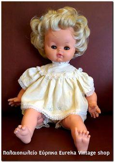 Κούκλα μωρό από την δεκαετία 1960's από τα πρώτα κομμάτια που κατασκεύασε η el Greco στην Ιταλία. Γλυκό, χαριτωμένο και πολύ εκφραστικό! Φτιαγμένη από βινύλιο πολύ καλής ποιότητας όλα τα άκρα.