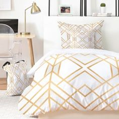Guide To Discount Bedroom Furniture. Bedroom furnishings encompasses providing products such as chest of drawers, daybeds, fashion jewelry chests, headboards, highboys and night stands. King Duvet Cover Sets, Bed Duvet Covers, Best Bedding Sets, Luxury Bedding Sets, Comforter Sets, Modern Bedding, King Comforter, Gold Bedroom, Bedroom Sets