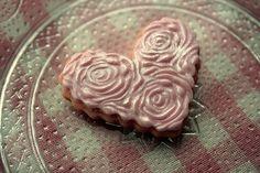 Rose embossed heart cookie by The sugar mice, via Flickr