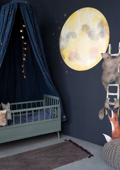 """This wallpaper circle is a sweet addition to your kids room. From the debut picture book""""Bear wants to kiss the Moon"""" by Hartendief . Dark Nursery, Sky Nursery, Outer Space Nursery, Space Themed Nursery, Yellow Nursery, Nursery Themes, Nursery Room, Nursery Ideas, Baby Boy Rooms"""