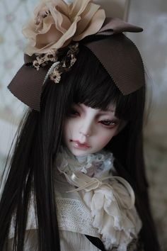Beautiful Dolls, Most Beautiful, Weird Toys, Bjd Dolls, Ball Jointed Dolls, Cute Dolls, Doll Face, Fascinator, Art Reference