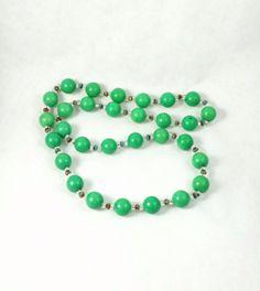 Kelly Green Magnesite Single Strand Necklace | Craftybase