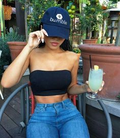 Tube Top Outfits, Boho Summer Outfits, Casual Outfits, Cute Outfits, Black Shorts Outfit Summer, Red Top Outfit, Winter Outfits, Look Fashion, Teen Fashion