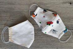 Ako ušiť rúško pre dieťa aj dospelého, postup a šablóny, fotopostup Denim Bag Tutorial, Sewing Hacks, Sewing Crafts, Diy Mask, Kids And Parenting, Tapas, Needlework, Kids Fashion, Sewing Patterns