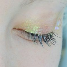Mermaid shimmer glitter eye make-up Makeup Inspo, Makeup Inspiration, Beauty Make Up, Hair Beauty, Eye Makeup, Hair Makeup, Angel Makeup, Eyeliner, Eyeshadow