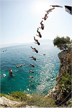 Synchronized cliff diving