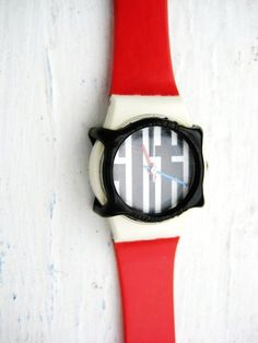 I used to have one just like this!  Vintage 1987 SWATCH WATCH