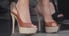 Sofia Vergara paired her summery outfit with brown high-heeled espadrille sandals