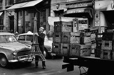 Paris 1966   Photo: Elliott Erwitt