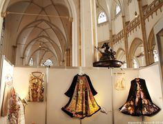 Exhibition of gold and hand embroidery Alexandra Drenth. Textile artist in Amsterdam -Netherlands.