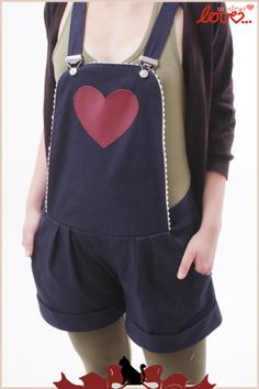 Blaue Latzhose mit rotem Herz // blue overall with red heart by mydearlove via DaWanda.com