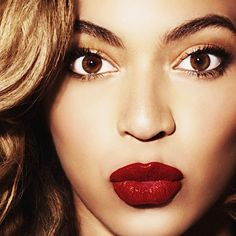 Beyonce shows you don't have to be a twig to be beautiful and to rock your curves