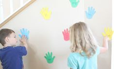 Play High Five Sight Words for a fun way to teach your child to read! Beginning readers will love this reading game! Sight Word Games, Sight Words, Fun Games, Games For Kids, Educational Activities For Kids, Children Activities, Sight Word Coloring, Reading Games, High Five