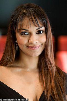 Danielle de Niese, multi-talented singer, dancer and actor.