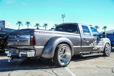 I don't usually like these types of trucks, but something about this I quite enjoy