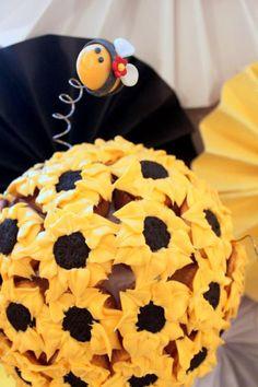Un precioso decorado para una fiesta abeja / A lovely decoration for a bumble bee party