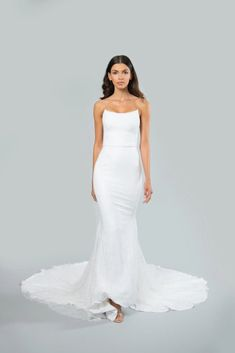 Mark Zunino colección novias Otoño 2020 : Fiancee Bodas Mark Zunino Wedding Dresses, Bridal Wedding Dresses, Floral Gown, Strapless Gown, Mermaid Gown, Gowns Online, Chantilly Lace, Crepe Dress, Skirt Fashion