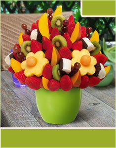 Mango Kiwi Blossom® Dipped Bananas by Edible Arrangements Más Edible Fruit Arrangements, Edible Bouquets, Fruit Cake Watermelon, Fruit Cakes, Fruit Basket Delivery, Veggie Display, Fruit Creations, Grilled Fruit, Fruit Decorations