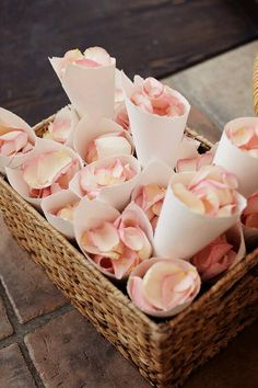Love rose petals instead of confetti