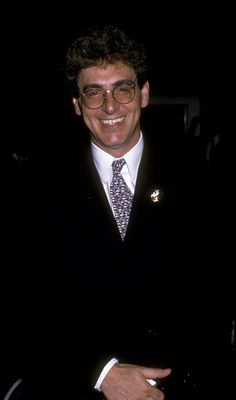Director Harold Ramis attends the premiere of 'Ghostbusters II' on. Ghostbusters The Video Game, Ghostbusters 1984, Extreme Ghostbusters, Die Geisterjäger, Harold Ramis, Great Comedies, Ghost Busters, Famous Men, Famous People