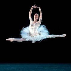 Polina Semionova in la Bayadere Photograph:Rosalie O'Connor. Ballet beautie, sur les pointes !