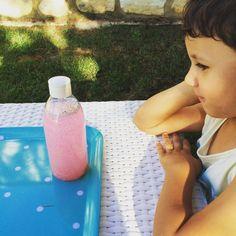 Activité montessori : bouteille magique pour calmer les enfants