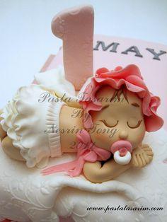 1ST BIRTHDAY CAKE - UMAY  by CAKE BY NESRİN TONG, via Flickr.