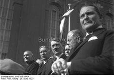 """Potsdam.- Feier zur Eröffnung des Reichstages (Reichstagseröffnung, """"Tag von Potsdam"""").- Ehrentribüne in der Garnisonkirch. Vlnr: Wilhelm Frick, Franz von Papen, Adolf Hitler, Franz Seldte, Hermann Göring"""