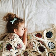joyful four: Vintage Granny Puff Flower Blanket free #crochet pattern