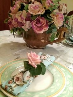 Table Decorations, Food, Home Decor, Chic Desk, Floral Fabric, Napkin, Trapper Keeper, Mesas, Decoration Home
