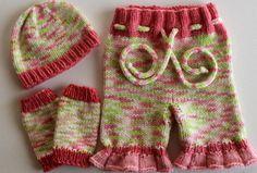 Newborn Merino Ruffle Shorties /w Hat and Legwarmers. Dyed and Knit by True2Ewe