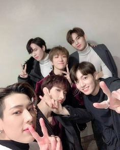 Find images and videos about kpop, bts and jungkook on We Heart It - the app to get lost in what you love. Jimin, Yugyeom Jungkook, Taehyung, Got7 Bambam, Kim Yugyeom, Bts Bangtan Boy, Namjoon, Bts Predebut, Woozi