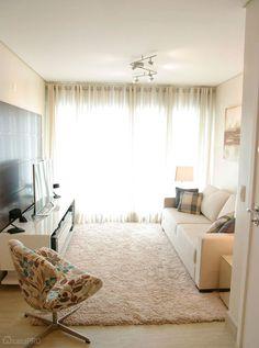 Decoração de sala de estar com poltrona