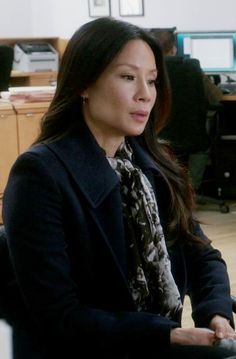 Lucy Liu Dr. Joan Watson Elementary S03E22 The Best Way Out Is Always Through