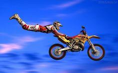 esportes radicais | Manobra Radical de Moto