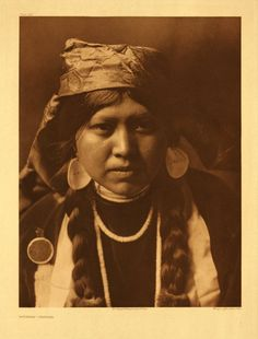 Yakama woman, photographed by Edward Curtis