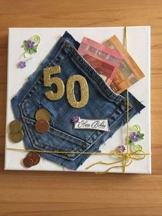 Geldgeschenk zum 50 y Manualidades Reciclaje y Manualidades Ideas y Manualidades ✂️ Diy Birthday, Birthday Presents, Birthday Cards, Money Cards, Diy Cards, Gift Money, Diy Presents, Diy Gifts, Don D'argent